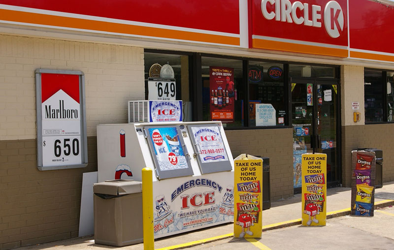 Retail Ice Delivery at Circle K
